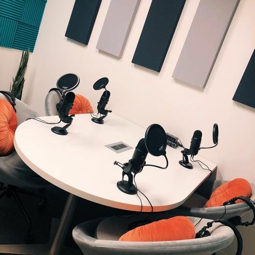advantedgeworkspaces-podcast-studio