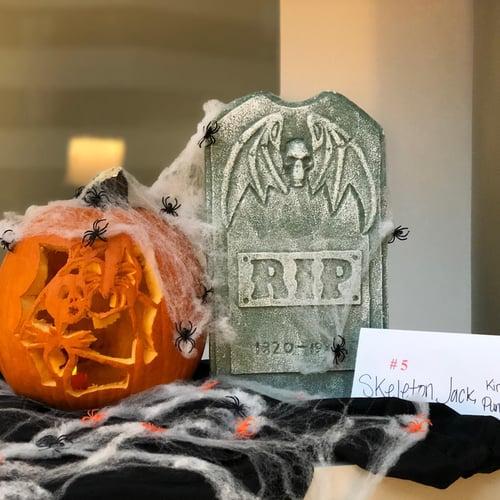 pumpkin-decorating-advantedge-chevy-chase-pavilion
