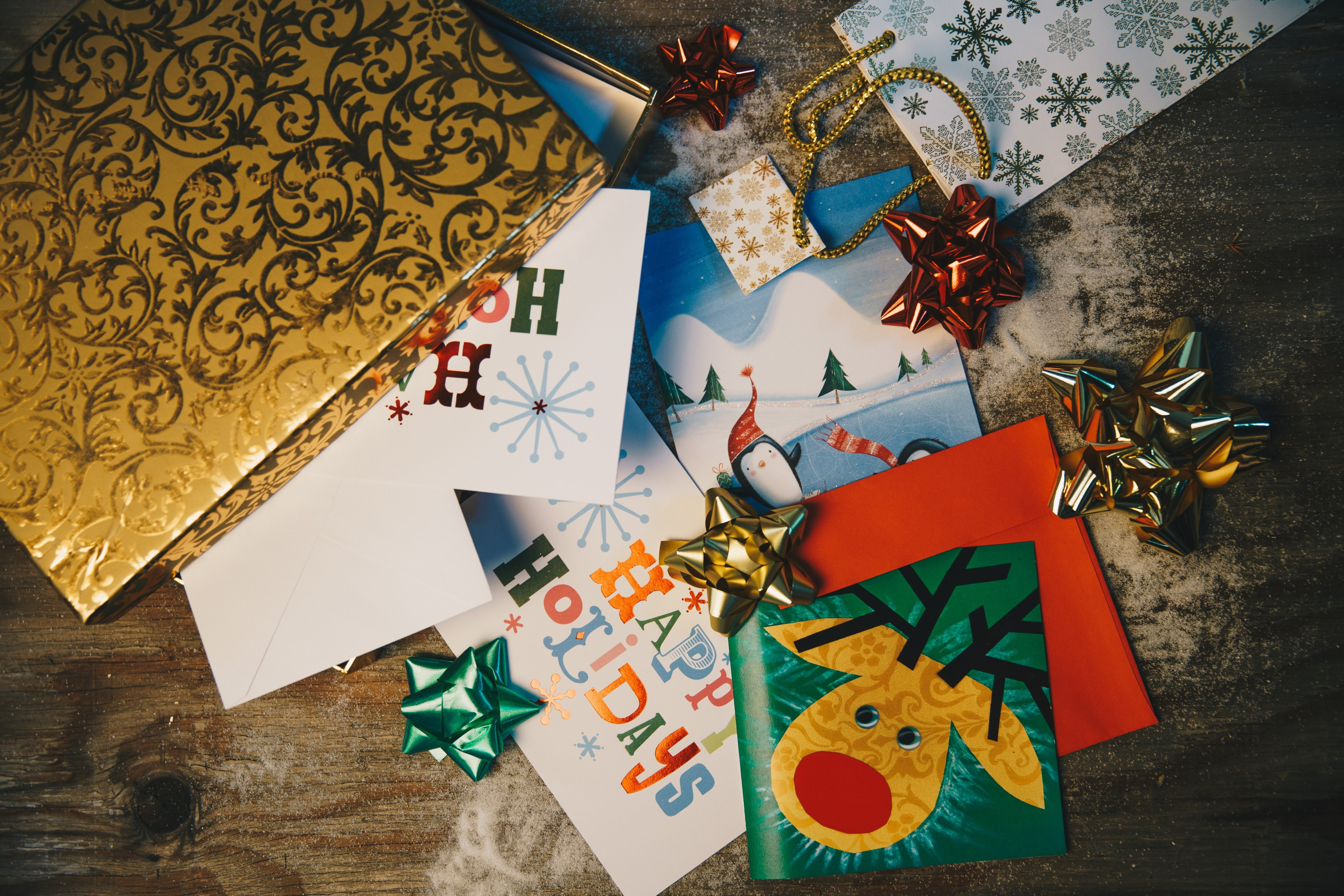holiday-cards-gift-wrap_4460x4460.jpg
